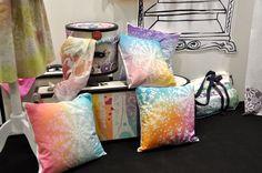 Fashion Spray - nove fantastične boje za tekstil! — Hobby Art Chemaco Textiles, Throw Pillows, Painting, Art, Fashion, Cushions, Moda, La Mode, Painting Art