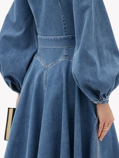 Midi Flare Skirt, Midi Length Skirts, Jeans Outfit Summer, Denim Outfit, Stylish Dress Designs, Stylish Dresses, Block Heels Outfit, Types Of Jeans, Emilia Wickstead
