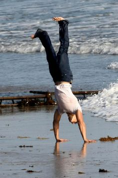 Taylor Lautner flips for Rolling Stones - jacob-black Photo