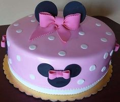 Minnie Mouse themed Birthday Cake from Roscoe Bakery in Los Angeles. Minni Mouse Cake, Minnie Mouse Birthday Cakes, Barbie Birthday, Birthday Cake Girls, Bolo Minnie, Minnie Cake, Cupcakes Decorados, Barbie Cake, Character Cakes