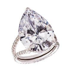 La bague Belle Epoque de Fabergé chez Harrods à Londres http://www.vogue.fr/joaillerie/le-bijou-du-jour/diaporama/la-bague-belle-epoque-de-faberge-diamants-harrod-s-londres/18049