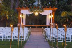 The Crowne Plaza San Diego Hanalei Courtyard at night ready for another San Diego Wedding