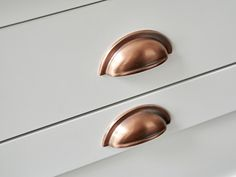 Traditional cup handles in copper for Putney shaker kitchen, made exclusively for Brayer Design. Cabinets in French grey by Little Greene. Copper Handles Kitchen, Kitchen Knobs, Kitchen Drawers, Kitchen Decor, Kitchen Ideas, Grey Shaker Kitchen, Shaker Kitchen Cabinets, Victorian Kitchen, Victorian Homes