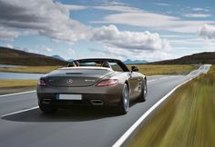 Luxury cars rental – Mercedes SLS