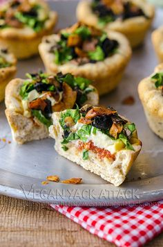 Mini Pizza Pies! #vegan