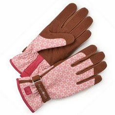 Parisienne 'Love the Glove' Gloves WAS £14.95 - NOW £11.95 - SAVE £3 Bringing together fashion and function, the Parisienne 'Love The Glove' Gloves are stunning
