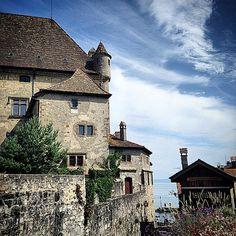 Yvoire in Rhône-Alpes Yvoire, Lake Geneva, Rhone, Mansions, House Styles, Travel, Alps, Viajes, Manor Houses
