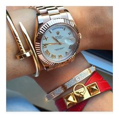 NEW STUNNING INSPIRATION - Follow my dear friend @avikoren fo the best wristgames #howtochic #ootd #outfit
