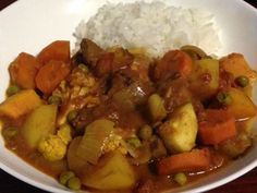 A simple heart warming beef curry. Lamb Recipes, Slow Cooker Recipes, Crockpot Recipes, Dinner Recipes, Cooking Recipes, Slow Cooking, Beef Curry, Broccoli Beef, Food Categories