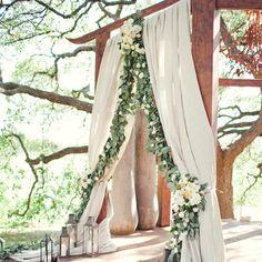 A Romantic, Outdoor Wedding in Austin, TX