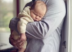 A newborn session that I LOVE. Precious photos with the baby and family.