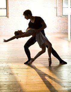 Daniel Grzelak and Abby Lieberman of the Massachusetts Academy of Ballet © Ron McKinney Flamenco Dancers, Ballet Dancers, Bolshoi Ballet, Ballet Tutu, Shall We Dance, Just Dance, Pre Weding, Contemporary Dance, Modern Dance