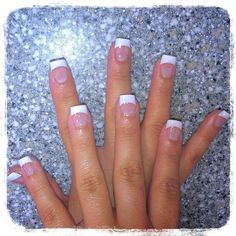 french nails with a twist Messy Buns French Nails, Short French Tip Nails, French Manicure Nails, Diy Nails, Cute Nails, Pretty Nails, French Tip Pedicure, White French Tip, White Tip Acrylic Nails