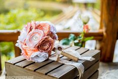 Whether you create your own favors, centerpieces or flowers, DIY wedding crafts can add a dash of uniqueness to one of the most special days in life. Diy Wedding Bouquet, Diy Bouquet, Wedding Flowers, Wedding Stuff, Wedding Ideas, Wedding Inspiration, Design Inspiration, Handmade Flowers, Diy Flowers