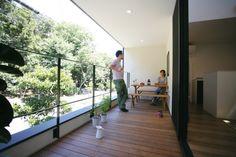 緑豊かな眺望を活かした北側テラスの家 (Sturdy Style 一級建築士事務所)|屋上・テラス・中庭_外観|建築実例|埼玉・千葉・東京の注文住宅ならポラス(POLUS)の注文住宅