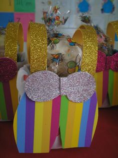 Gift Wrapping, Gifts, Day Outfits, Early Education, Outfits, Ideas, Gift Wrapping Paper, Presents, Wrapping Gifts