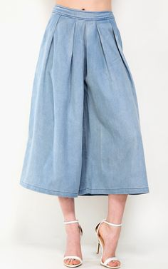Oversized pleated denim culottes. A new take on the skort. Love it! | MakeMeChic.com