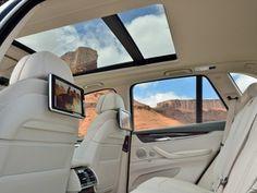 Interior branco é muito da hora. Esse é do novo BMW X5