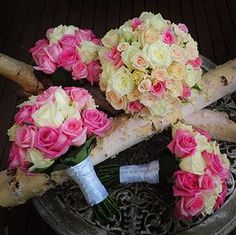 Mixed pink rose posies
