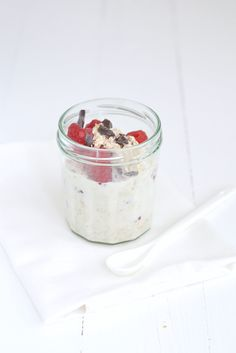 Breakfast pictures overnight oats 62 Ideas for 2019 Sausage Recipes For Dinner, Breakfast Crockpot Recipes, Healthy Oatmeal Recipes, Easy Healthy Breakfast, Gourmet Recipes, Sweet Recipes, Overnight Oats, Clean Eating Kids, Breakfast Pictures