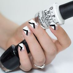Geometric Nails by @didoline #nails #geometricnails #nailart