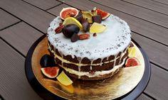 Makový dort s pečenými švestkami a citronovým krémem