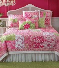 Love the pink quilt.