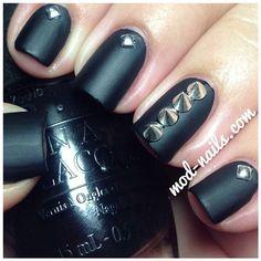 Black with silver Matte nails with studs Nails Polish, Matte Nails, Stiletto Nails, Nail Art Designs Videos, Nail Designs, Stilettos, Tumblr Nail Art, Goth Nails, Nailart