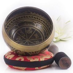 Silent Mind Antique Design Tibetan Singing Bowl Set Great For Mindfulness Meditation Relaxation Stress & Anxiety Relief Chakra Healing Yoga Zen Perfect Spiritual Gift Yoga Meditation, Meditation Practices, Simple Meditation, Meditation Space, Chakra Healing, Healing Prayer, Chakras, Tibetan Bowls, Gift Ideas