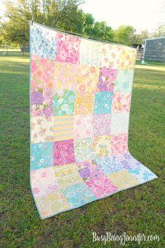 vintage sheet quilt - this one I'm definitely keeping! - BusyBeingJennifer.com