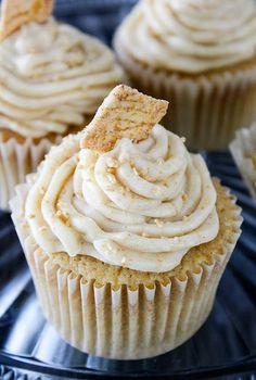 Cinnamon Cupcakes with Cinnamon Toast Crunch Buttercream