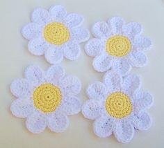 Transcendent Crochet a Solid Granny Square Ideas. Inconceivable Crochet a Solid Granny Square Ideas. Crochet Daisy, Crochet Flower Patterns, Crochet Home, Love Crochet, Crochet Gifts, Crochet Motif, Crochet Flowers, Knit Crochet, Crochet Summer