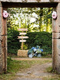 entrada boda carteles señalizadores hortensias