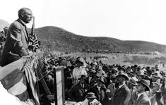 William Mulholland, head of the Los Angeles Dept. of Water and Power, speaks to the crowd at opening ceremonies of the Los Angeles Aqueduct. California History, Hotel California, Southern California, St Francis Dam, Pasadena Los Angeles, Santa Catalina Island, West Covina, San Fernando Valley, The Spectator