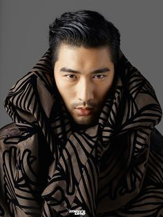 Landing two covers, actor Godfrey Gao is the star of Men's Uno Malaysia's December 2015 issue. Connecting with photographer Leslie Kee, Gao hits the studio for… Handsome Asian Men, Hot Asian Men, Asian Guys, Asian Male Model, Male Models, Godfrey Gao, Canadian Models, Thing 1, Gorgeous Men