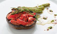 A receita de espargos assados com cogumelos é uma receita vegetariana mesmo para quem não é mas gosta de experimentar pratos diferentes. Experimente esta.