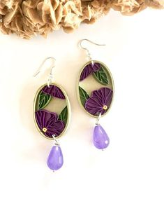 Oval quilling paper earrings with pansies and purple jade jewels, ecogioiello, paper flowers Quilling Flower Designs, Quilling Images, Quilling Patterns, Paper Quilling Earrings, Paper Quilling Flowers, Quilling Art, Quilling Ideas, Quilling Techniques, Paper Jewelry