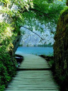 Wooden path through Plitvice Lakes National Park, Croatia. UNESCO World Heritage ✯ ωнιмѕу ѕαη∂у