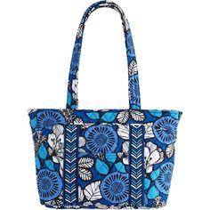 Vera Bradley Mandy Shoulder Bag in Blue Bayou ($35) ❤ liked on Polyvore featuring bags, handbags, blue bayou, shoulder bags, zipper purse, blue purse, quilted handbags and shoulder handbags