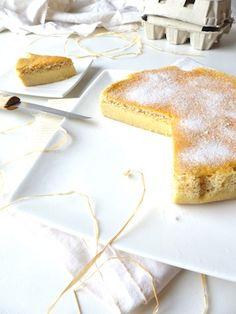 """Avec oeufs - Mes invités d'hier se sont accordés pour dire de ce gâteau magique sans gluten (gâteau à 3 couches : génoise, crème, flan) """"c'est une tuerie!"""". No comment."""