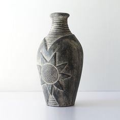 Monumental Sunflower Sgraffito Floor Vase - Ray New York Sgraffito, Ceramic Decor, Cement, Contemporary Design, Floor, Vase, York, Modern Design, Boden