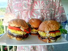 Easy recipe for Hawaiian Burgers with fresh pineapple and teriyaki mayonnaise. Burger Recipes, Grilling Recipes, Beef Recipes, Bbq Ideas, Food Ideas, Hawaiin Food, Hawaiian Burger, Pioneer Women, Abaya Fashion