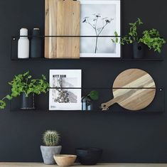Kitchen Accessories You Didn't Know You Needed - Interior Design Ideas & Home .Kitchen Accessories You Didn't Know You Needed - Interior Design Ideas & Home .Home Wall Ideas Minimalist Furniture, Classic Furniture, Diy Interior, Interior Design Kitchen, Kitchen Wall Design, Interior Painting, Interior Decorating, Home Decor Accessories, Decorative Accessories