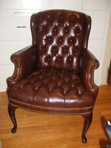 Ohrenbacken Sofa traditional style executive guest chair black