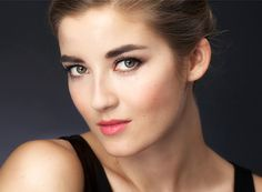 Classic eye make-up video - Anna&Ellit