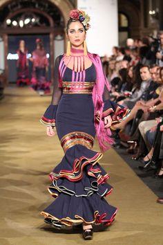 we love flamenco 2017 Spanish Dress, Spanish Dancer, Spanish Style, Fashion Photo, Fashion Models, Ethnic Fashion, Womens Fashion, Mode Simple, Dance Dresses
