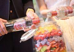 ゲスト参加型の披露宴演出♡テーブルラウンドの新種、【果実酒作り】の魅力とやり方まとめ*