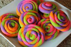 Purim: Seems joyful to me! Pinwheel Cookies, Fun Cookies, How To Make Cookies, Candy Land, Halloween Desserts, Halloween Treats, Christmas Countdown Calendar, Rainbow Candy, Christmas Cookies