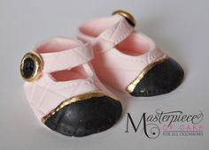 Gumpaste Chanel Inspired Baby Shoes Hnad made gumpaste baby shoes. Fondant Baby Shoes, Cute Baby Shoes, Special Birthday, Gum Paste, American Girl, Cute Babies, Chanel, Baby Shower, Baby Cakes