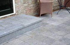 Blauwe steen terras: Advies blauwsteen kiezen, prijs en onderhoud